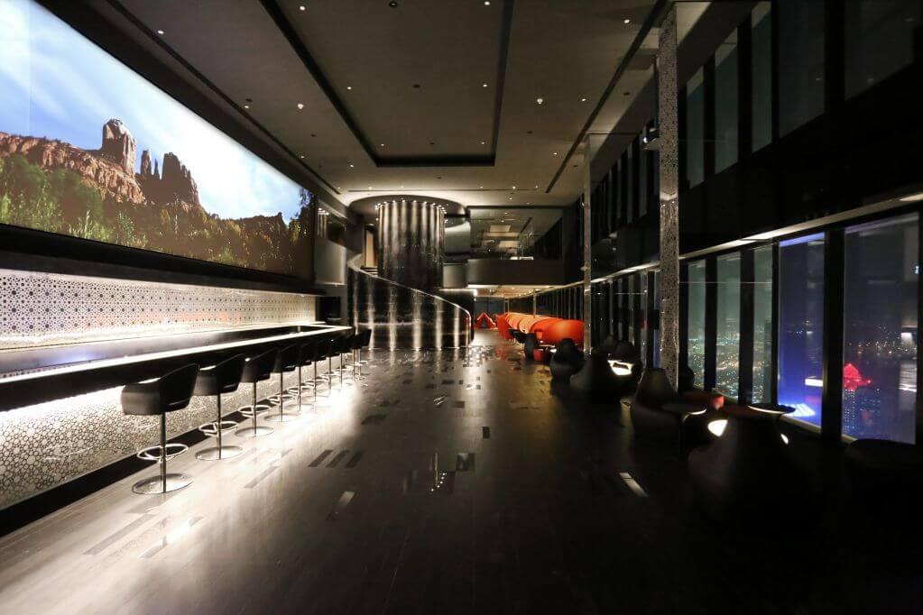 nội thất đặc trưng bằng gỗ acoustic