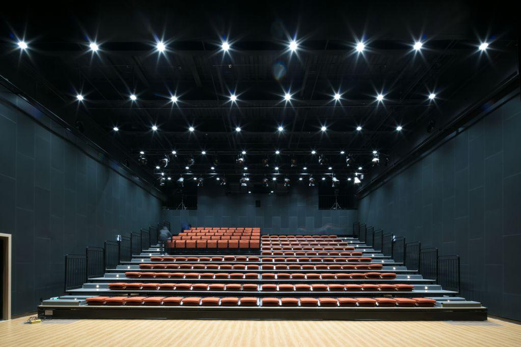 Nhà hát Studio được thiết kế