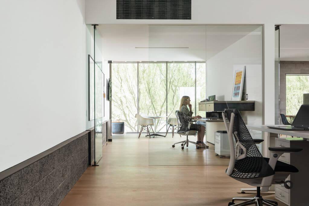Những cửa kính được sử dụng cho không gian