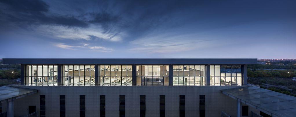 Dự án nằm ở tầng trên cùng của tòa nhà công nghệ