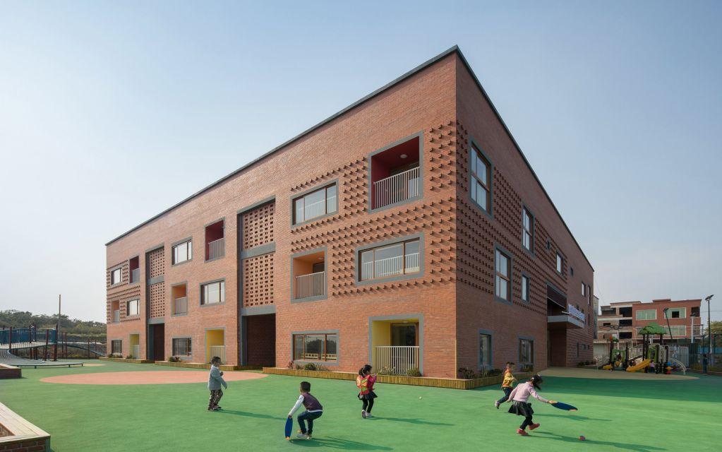 Thiết kế kiến trúc cố gắng để đối phó với tính năng bên ngoài