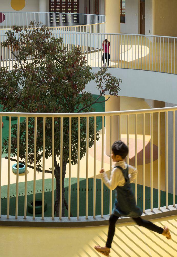 Trẻ em được tự do thoải mái vui chơi
