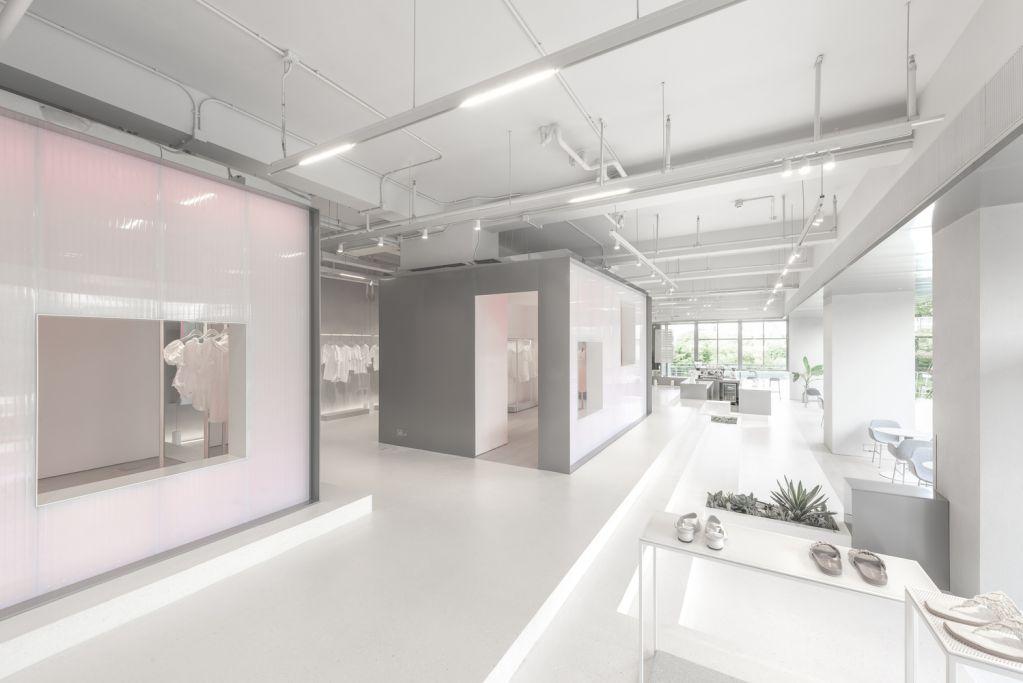 Dự án thiết kế dựa trên nền tảng cửa hàng thời trang