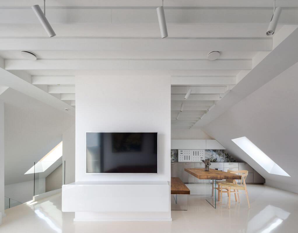 Tầng trệt thiết kế để làm việc và ngủ