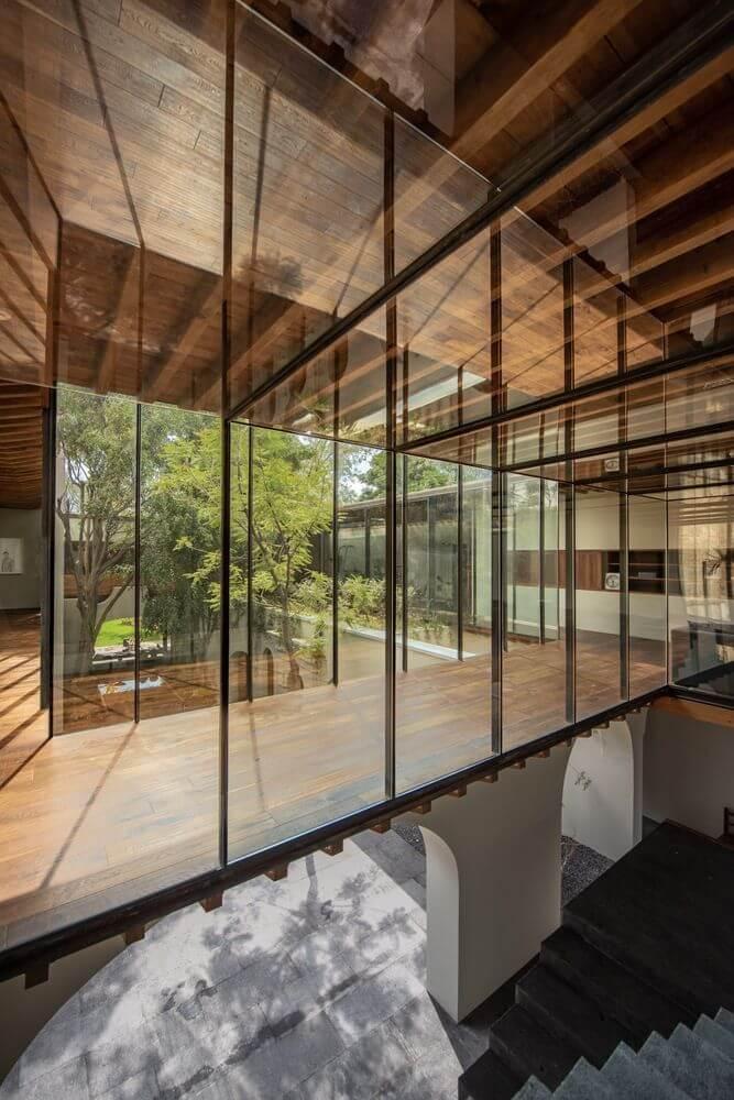 Tường bằng kính được sử dụng cho dự án