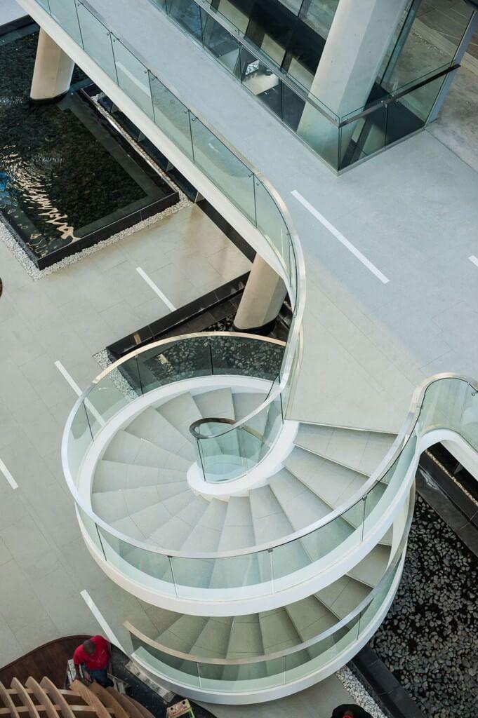 Cầu thang hình xoắn ốc được thiết kế