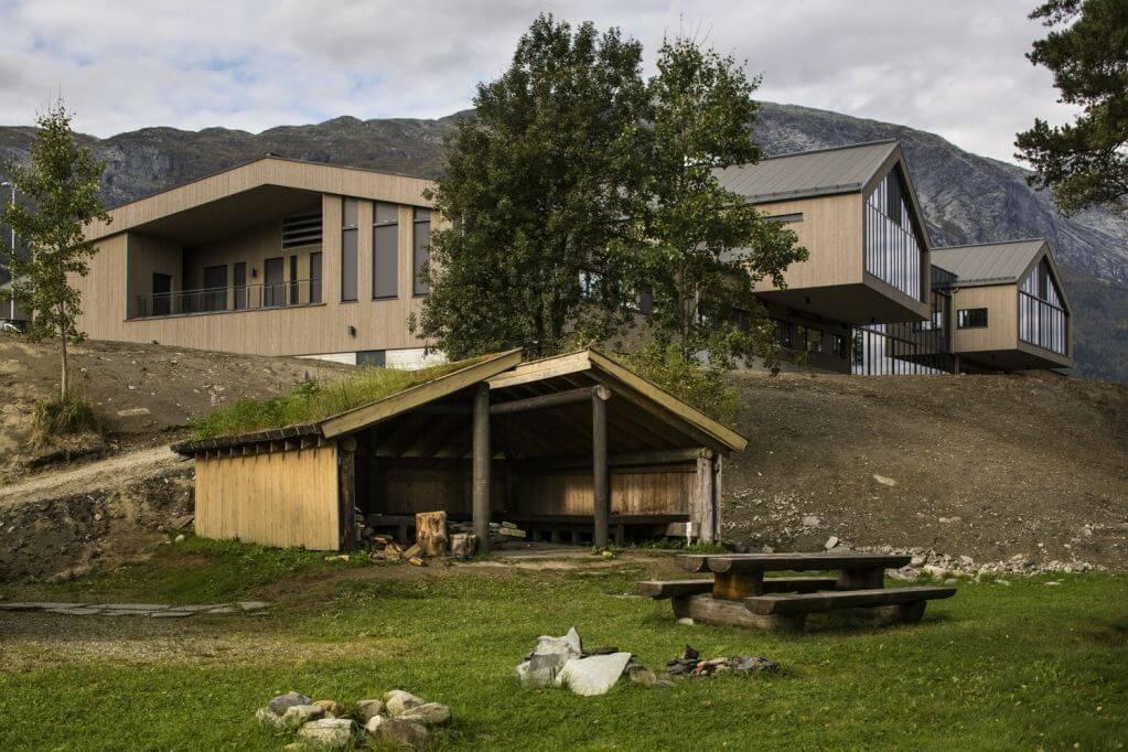 Dự án trường học Voss cung cấp khuôn khổ giáo dục trong nhiều lĩnh vực