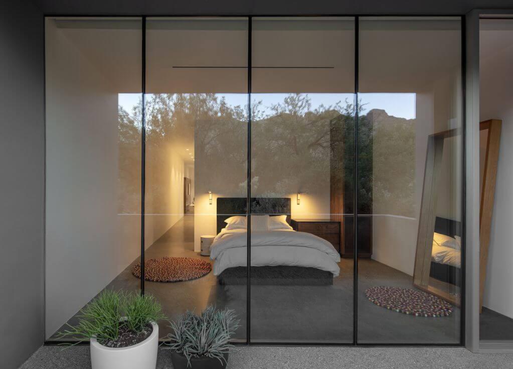 Phòng ngủ nhìn ra ngoài hẻm núi