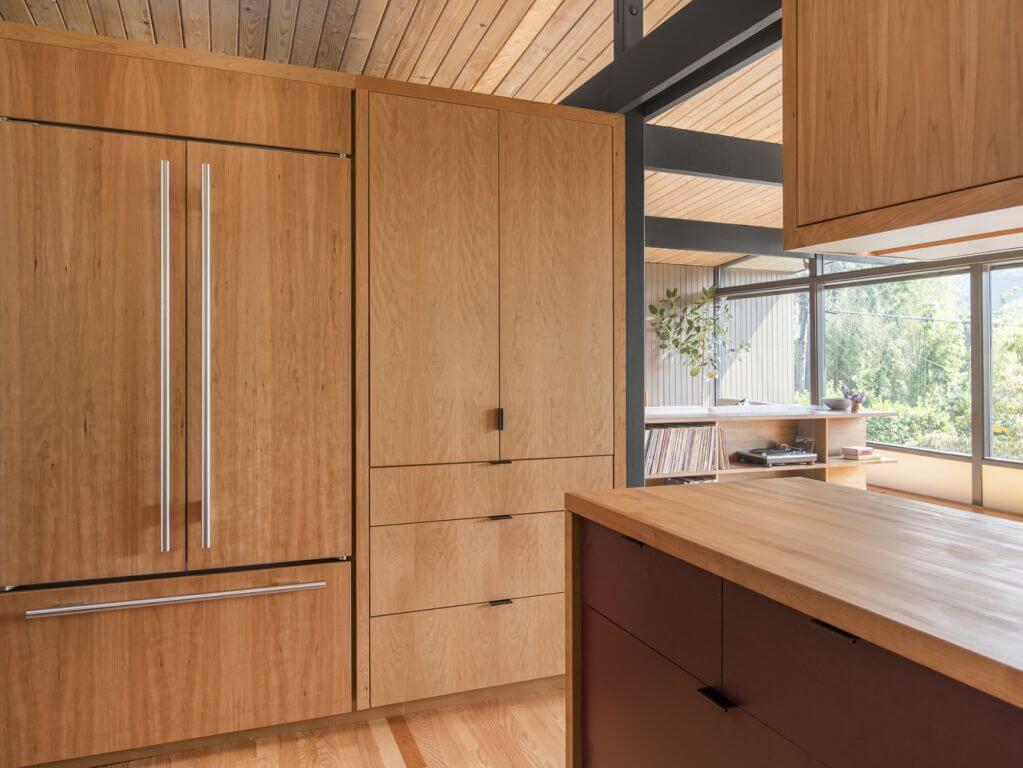 Tủ gỗ được sử dụng cho không gian