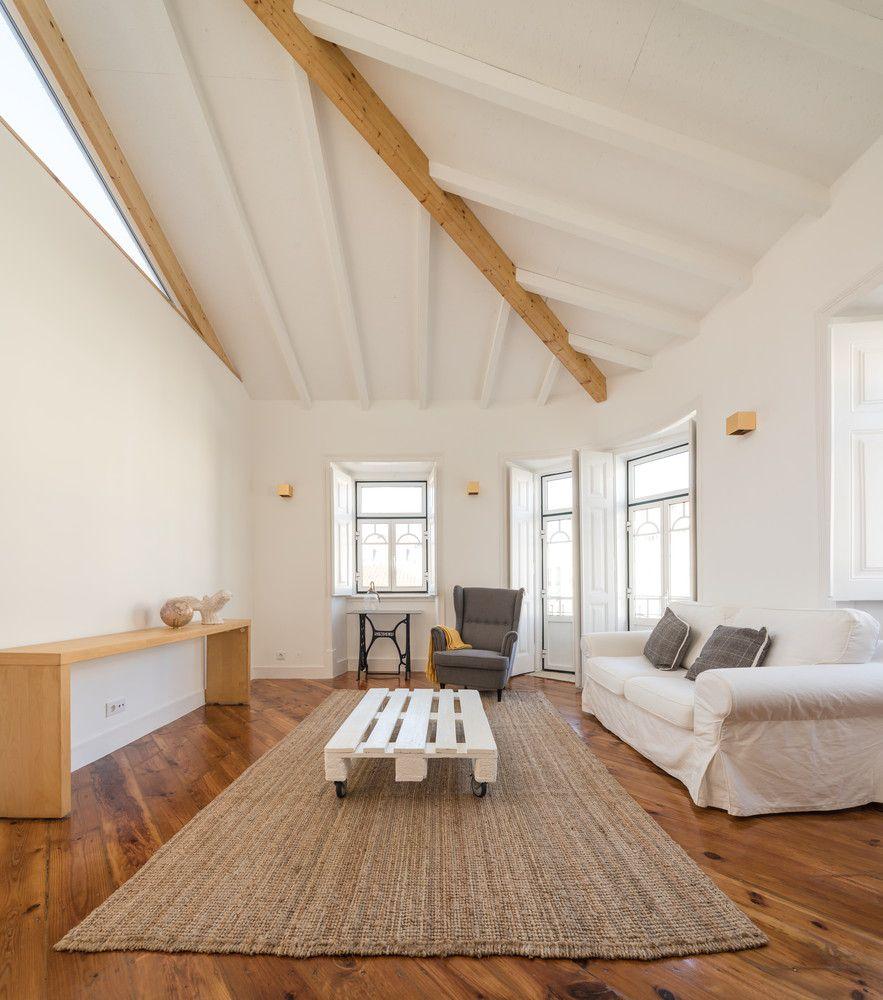Phòng khách được thiết kế với độ rộng gấp đôi