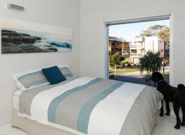 Phòng ngủ được thiết kế nhìn ra bên ngoài
