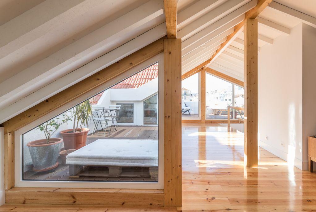 Tầng áp mái được mở rộng để thuận tiện cho việc sử dụng