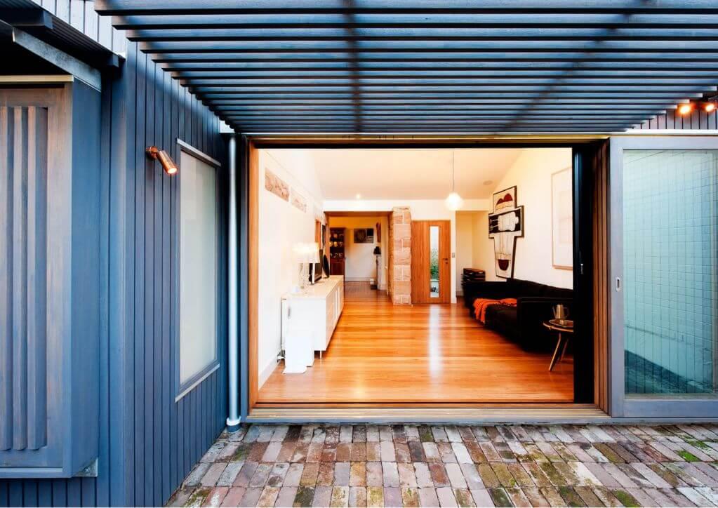Ngôi nhà được thiết kế thêm những yếu tố hiện đại