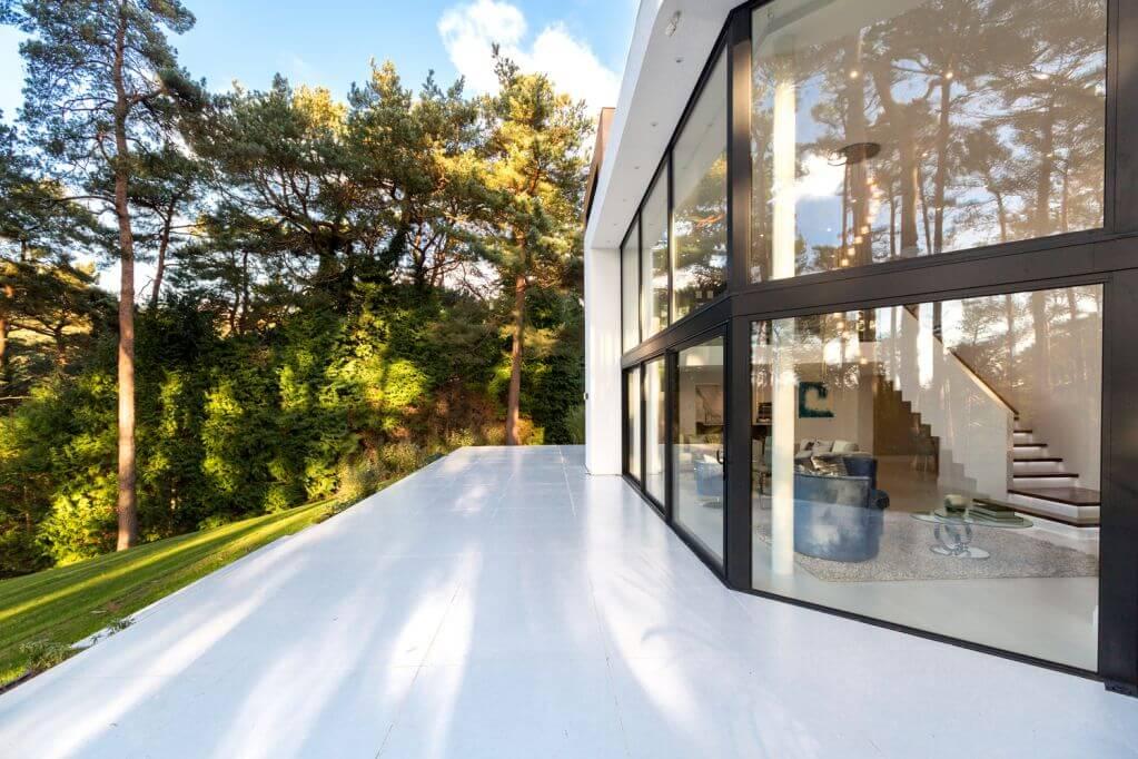 Dự án thiết kế với cây xanh và mặt trời chiếu sáng