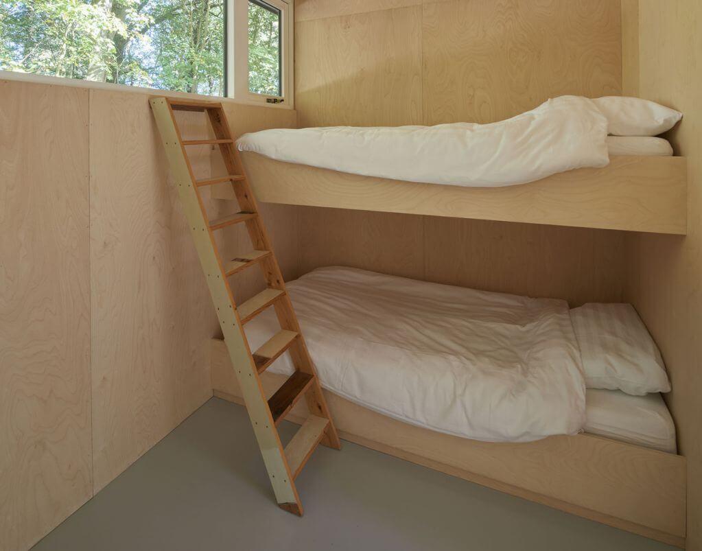 Phòng ngủ được thiết kế bổ sung chiều cao