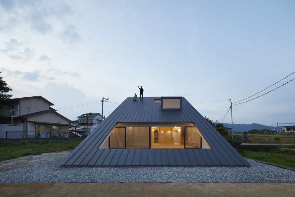 Dự án thiết kế nội thất nhà ở House in Usuki của Kenta Eto Architects