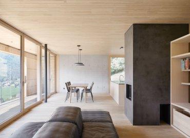Ngôi nhà có sự giao hòa giữa cái cũ và cái mới