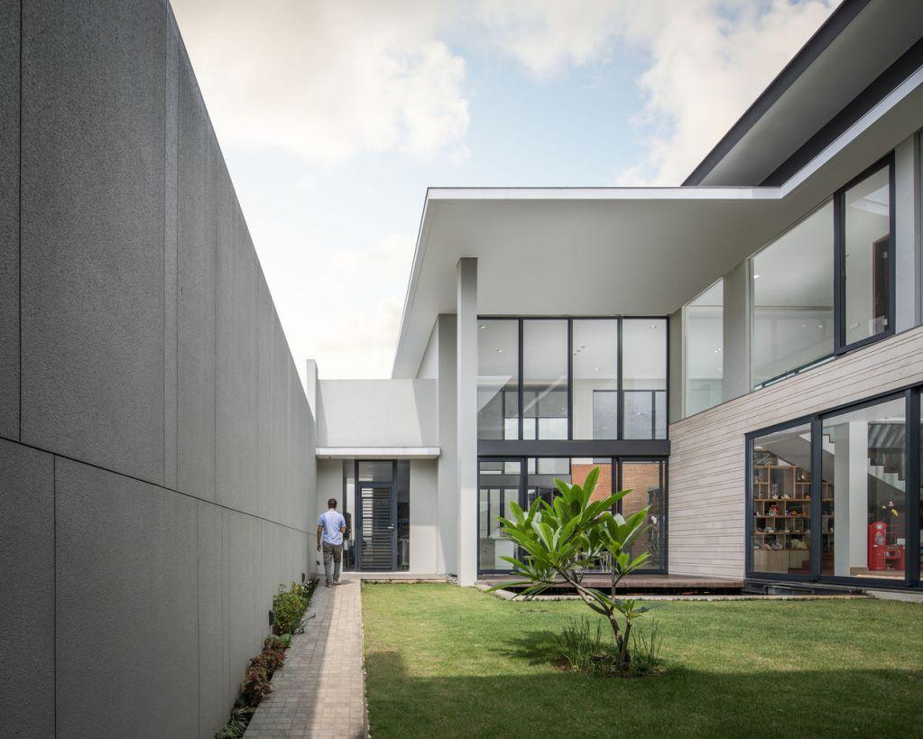 XZ House được dẫn dắt bởi kiến trúc sư trưởng Vidor Saputro and Ronald Adikisumo
