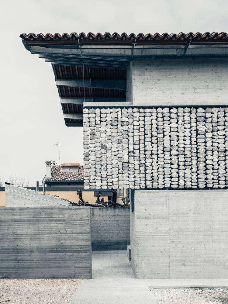 Dự án thiết kế nội thất nhà ở Stoned của Elasticospa+3