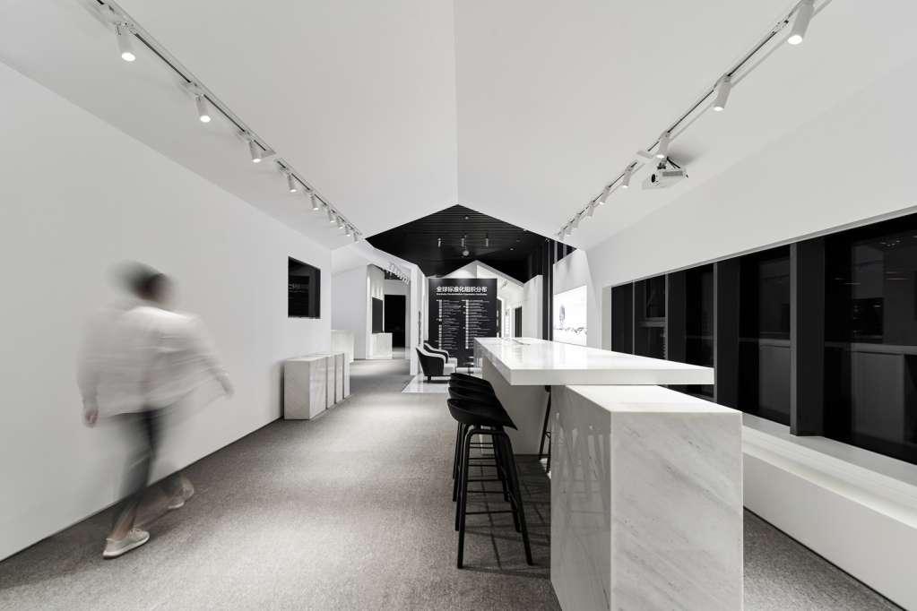 Mái nhà là yếu tố thiết kế bên trong dự án