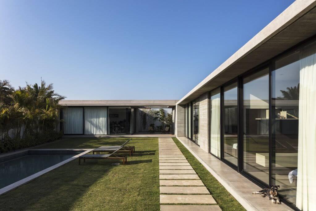 Thực tế ngôi nhà chỉ được thiết kế một tầng