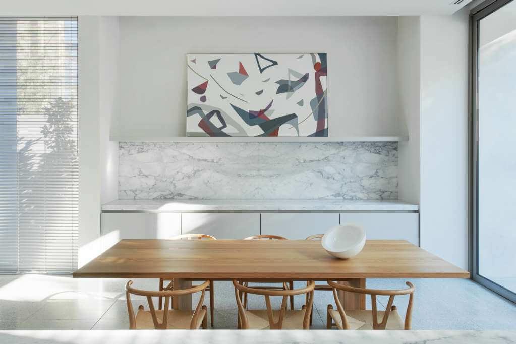 Màu sắc hạn chế của vật liệu tự nhiên được sử dụng cho ngôi nhà