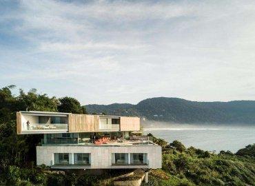 Dự án nằm trên một thành phố ven biển