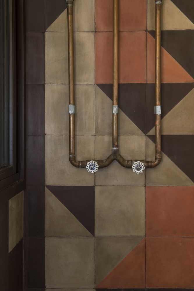 Hệ thống ống nước và điện được thiết kế nổi