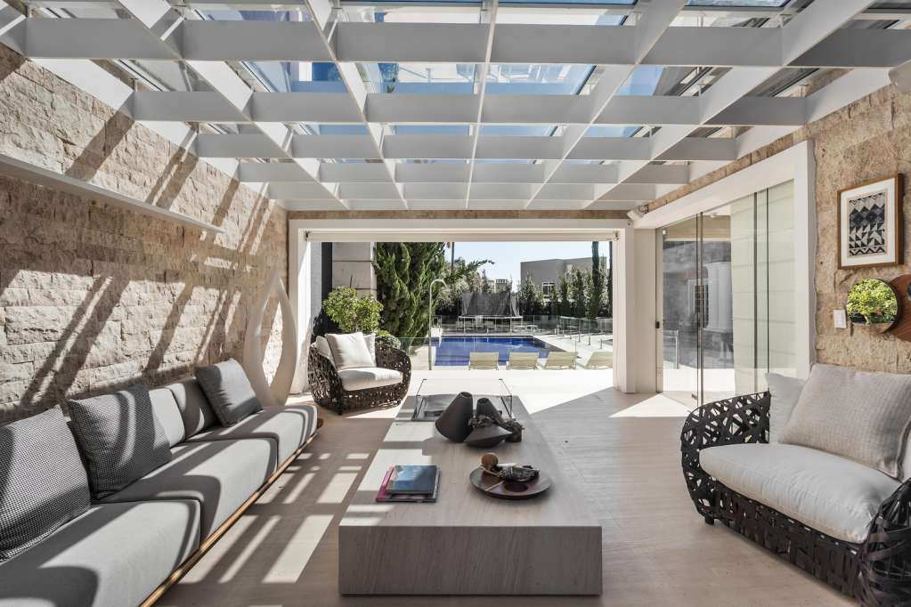 Thiết kế mái nhà tăng tối đa ánh sáng tự nhiên