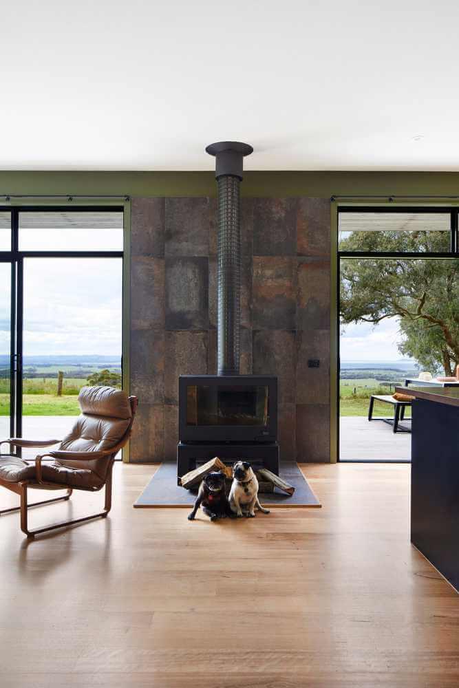 Thiết kế ống khói và kim loại trong nhà ở