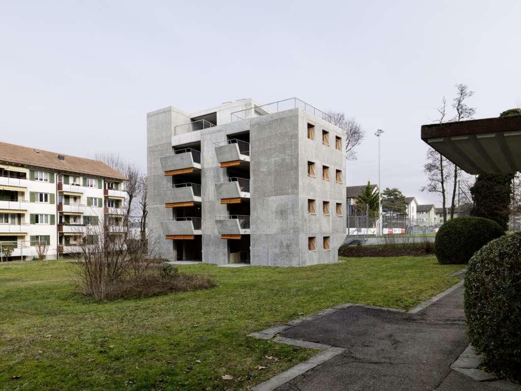Tòa nhà thiết kế trong khu vực xanh tăng thêm sự gần gũi với thiên nhiên